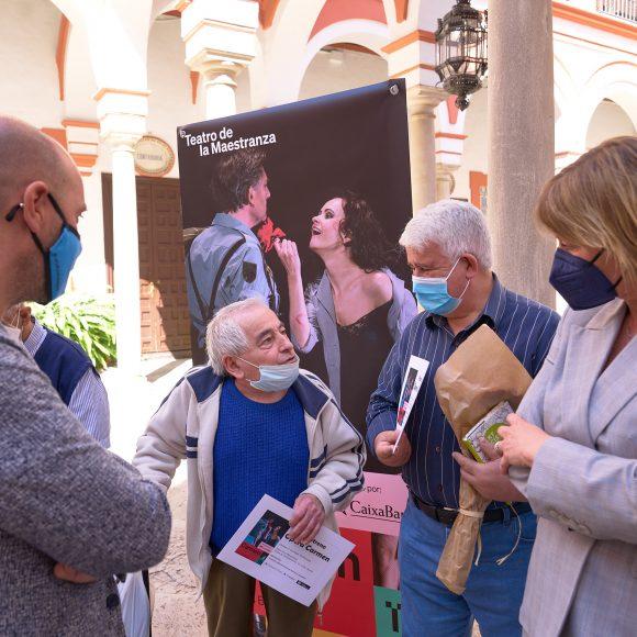"""CaixaBank, Fundación """"la Caixa"""", ASAO y el Teatro de la Maestranza rinden homenaje a los mayores con una función especial de la ópera Carmen"""